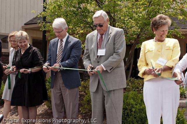 Hospice of the Bluegrass Ribbon cutting